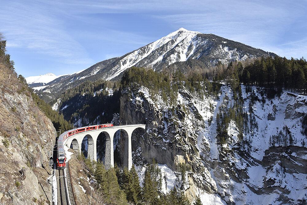 Graubuenden-Eisenbahn.JPG